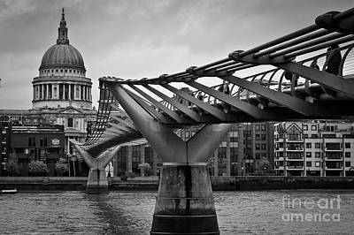 Photograph - Millennium Bridge 01 by Arnaldo Tarsetti