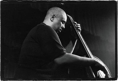 Photograph - Mingus Performs At The Obies, 1960 by Fred W. Mcdarrah