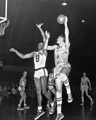 Photograph - Minneapolis Lakers George Mikan by Nba Photos