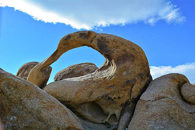 Photograph - Mobius Arch Alabama Hills by Kyle Hanson