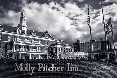 Photograph - Molly Pitcher Inn - Black And White by Colleen Kammerer