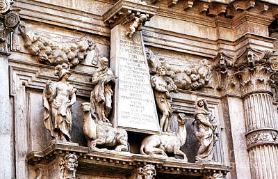 Photograph - Monument To Vincenzo Fini In Venice by John Rizzuto