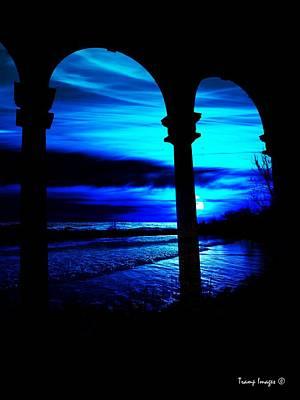 Photograph - Moon Glow In Ruin by Wesley Nesbitt