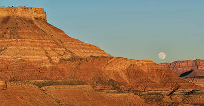 Photograph - Moonrise At Hurricane Mesa by Loree Johnson