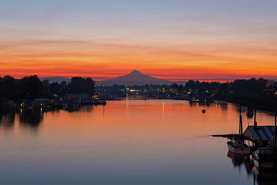 Wall Art - Photograph - Mount Hood Over Columbia River At Dawn by David Gn