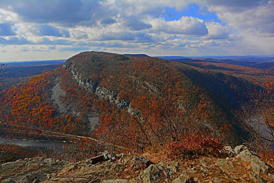 Art Print featuring the photograph Mount Minsi And The Delaware River From Mount Tammany by Raymond Salani III
