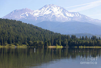 Photograph - Mt Shasta And Lake Siskiyou In California R1637 by Wingsdomain Art and Photography