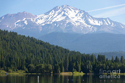 Photograph - Mt Shasta And Lake Siskiyou In California R1638 by Wingsdomain Art and Photography