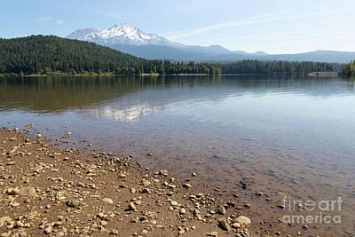 Photograph - Mt Shasta And Lake Siskiyou In California R1647 by Wingsdomain Art and Photography