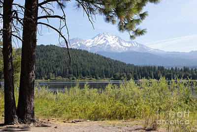 Photograph - Mt Shasta And Lake Siskiyou In California R1650 by Wingsdomain Art and Photography