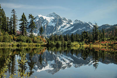 Photograph - Mt. Shuksan In The Fall by E Faithe Lester