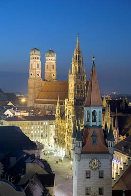 Photograph - Munich Cathedral And City Hall At Dusk by Manfred Rutz