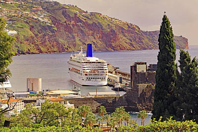 Photograph - Mv Oriana In Funchal by Tony Murtagh