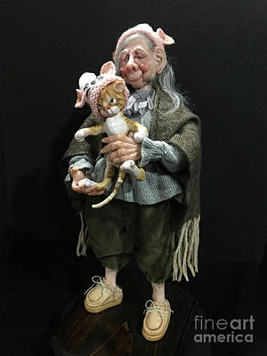 Sculpture - Nana And The Crabby Tabby by Cindy DeGraw