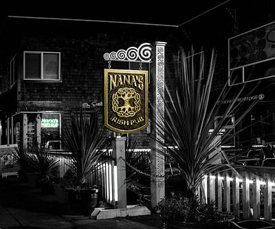 Photograph - Nana's Irish Pub by Thom Zehrfeld