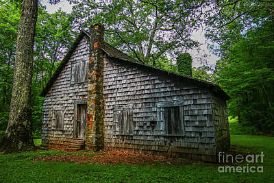 Photograph - Nantahala Ranger House #3 by Tom Claud