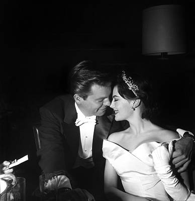 Photograph - Natalie Wood And Robert Wagner by Michael Ochs Archives