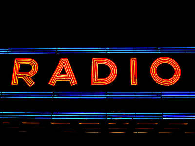 Photograph - Neon Radio by Richard Reeve