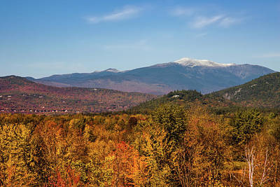 Photograph - New Hampshire Fall Foliage In Mt Washington Valley by Jeff Folger