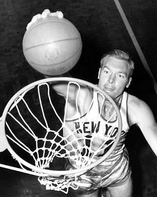 Photograph - New York Knicks Harry Gallatin by Nba Photos