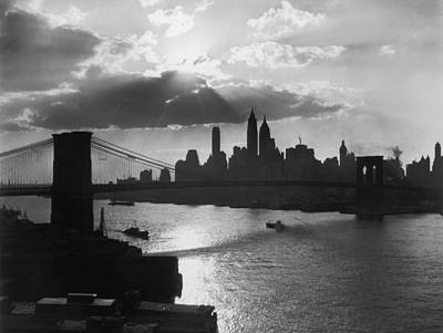 New York Silhouette Art Print by Hulton Archive