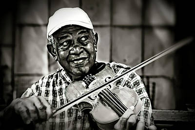 Photograph - New York Street Fiddler by Max Huber
