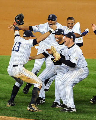 Photograph - New York Yankees Celebrate 27th World by New York Daily News Archive