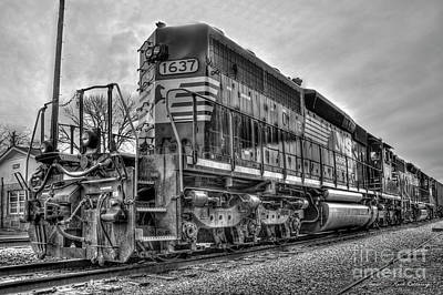 Photograph - Norfolk Southern Locomotive Number 1637 B W Tennille Georgia Train Art by Reid Callaway