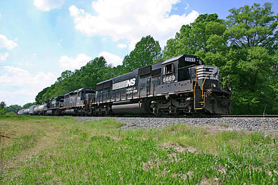 Photograph - Norfolk Southern Sd60 6669 Color  by Joseph C Hinson Photography
