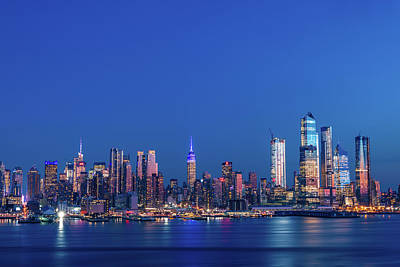 Photograph - Nyc The Blue Hour by Francisco Gomez