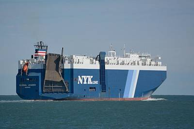 Photograph - Nyk Global Leader Stern View. by Bradford Martin