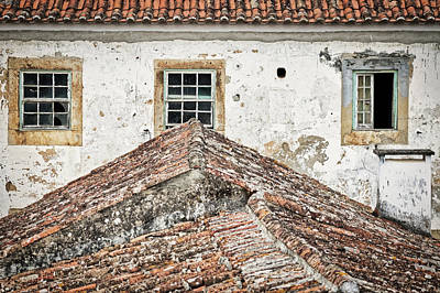 Photograph - Obidos Windows And Roof - Portugal by Stuart Litoff