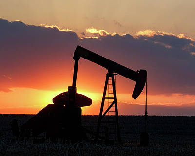 Photograph - Oil Pump At Sunset 01 by Rob Graham