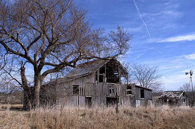 Photograph - Old Barn by Tim McCullough