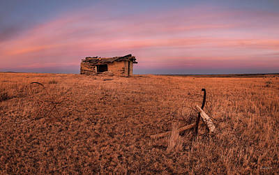 Photograph - Old Cabin Sunset 1 by Leland D Howard