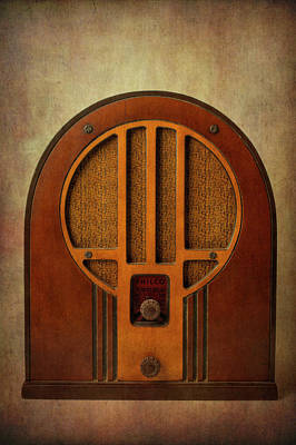 Photograph - Old Textured Radio by Garry Gay