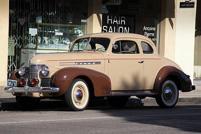 Photograph - Oldsmobile 1039 by Gene Parks