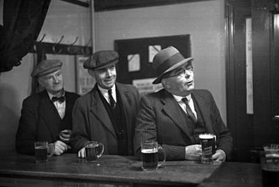 Pub Photograph - Oxford Drinkers by Kurt Hutton