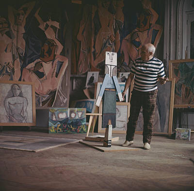 Photograph - Pablo Picasso At Work by Paul Popper/popperfoto