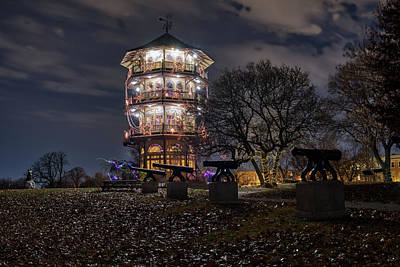 Photograph - Pagoda And The Canons by Mark Dodd