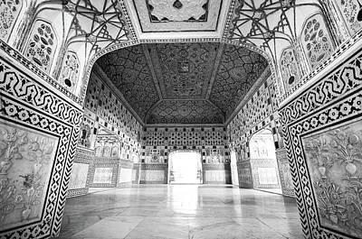 Photograph - Palacio En Blanco Y Negro by Jonatan Martin