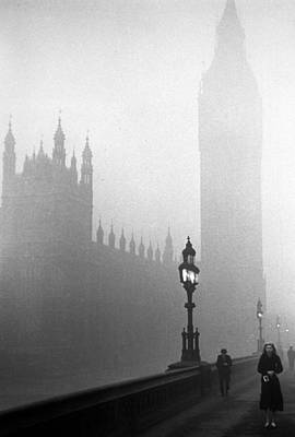 Parliament Fog Art Print by Kurt Hutton