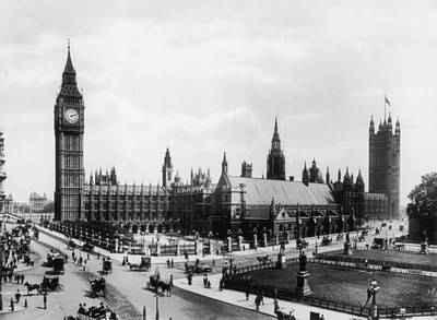 Photograph - Parliament Square by Frederick Hardie