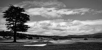 Old Masters - Pebble Beach - The 18th Hole Black and White by Judy Vincent