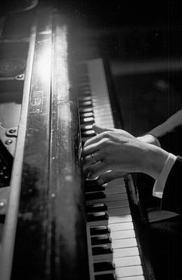 Photograph - Pianists Hands by Thurston Hopkins
