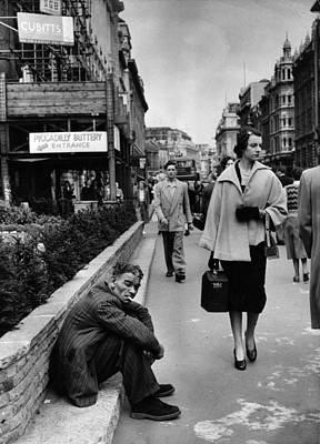 Photograph - Piccadilly Glamour by Bert Hardy