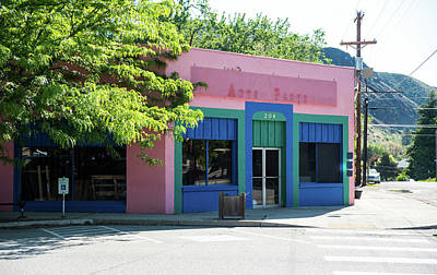 Photograph - Pink Shop In Twisp by Tom Cochran