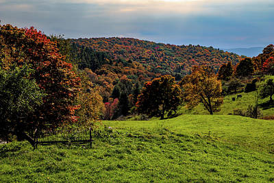 Photograph - Pomfret Vermont Fall Colors by Jeff Folger