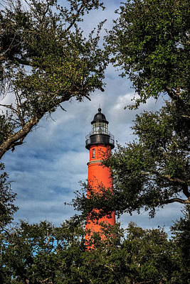 Photograph - Ponce Inlet Lighthouse by Tom Singleton