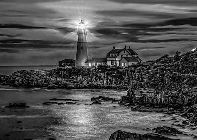 Photograph - Portland Lighthouse 7363 by Donald Brown